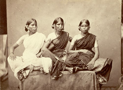 Gentoo dancing girls from Madras, displaying jewellery